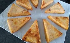 Triangles Carotte Triangles, French Toast, Breakfast, Ethnic Recipes, Food, Grated Cheese, Thermomix, Morning Coffee, Triangle Shape
