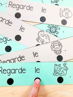 Classroom tips & tricks, resources and teaching ideas for the primary French classroom - immersion or French first-language French Teaching Resources, Teaching Art, Teaching Ideas, Teaching Spanish, How To Speak French, Learn French, Grade 1 Reading, Guided Reading, French Worksheets