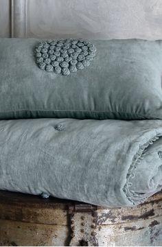 gorgeous: velvet floretta comforter