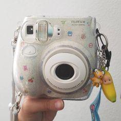 Camera Polaroid - Ideas That Produce Nice Photos Despite Your Talent! Polaroid Camera Case, Polaroid Instax, Cute Camera, Polaroid Pictures, Mini Camera, Polaroids, Fujifilm Instax Mini, Instax Mini Case, Camara Fujifilm