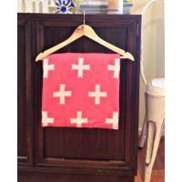 Raspberry Cross Blanket www.mamadoo.com.au #mamadoo #girls #bedding