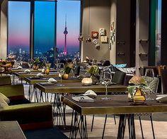 Brunchen am Himmel über Berlin? Das geht in der Skykitchen// Restaurant Skykitchen in Berlin Lichtenberg - Dining with a View