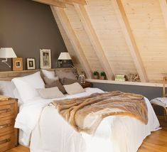 Lovely House With Wood Trim architecture Home Interior Design, Interior Decorating, A Frame House, Floating House, Natural Home Decor, Wood Trim, Guest Bedrooms, New Room, Dream Bedroom