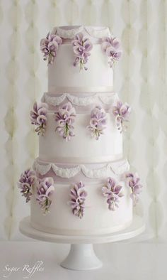 Wedding cake idea; Featured Cake: Sugar Ruffles, Featured Photographer: Melissa Beattie Photography