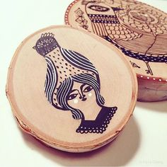 How darling are these wood scrap coasters from #hallmark artist @happydoodleland?! Reminds you that any and everything is a canvas. #godraw #doodle #paint #woodcoasters #blackandwhite #illustration #artwork