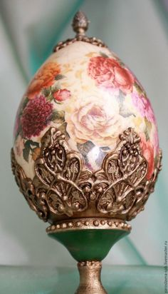Faberge Eier, Egg Shell Art, Christmas Teddy Bear, Egg Designs, Egg Art, Diy Molding, Egg Decorating, Egg Shells, Easter Crafts