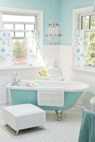I miss my old clawfoot bathtub.