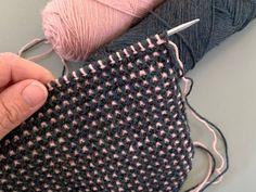 Baby Barn, Stitch Design, Slip Stitch, Knit Patterns, Quilling, Diy And Crafts, Knit Crochet, Mosaic, Knitting