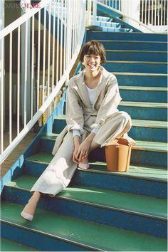 Daily More, Her Style, Fashion Photo, Cute Girls, Short Hair Styles, Scene, Pants, Beautiful, Korean Fashion