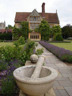 Le Manoir aux Quat'Saisons, Oxford (Raymond's place).