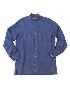 d78eb4d4026c A long and loose shirt in lightweight linen