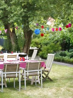 how to throw a chic backyard party