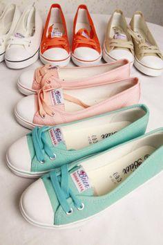 CULT CLASSIC - Cute converse like flats :) omg I want them all!!! ♡