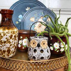 Primavara... #casaretro #sfesnice #ideidecadouri #casasigradina #homedecor #decoratiuni #decostyle #bufnite #terasa Jar, Decoration, Vintage, Home Decor, Style, Decor, Swag, Decoration Home, Room Decor