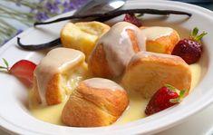 Tradiční dukátové buchtičky s vanilkovým krémem.