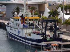 Puerto de Las Palmas. Gran Canaria     : Angeles Alvariño Buque cientifico en el Puerto de ...