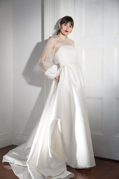 Wedding Trends Halfpenny London Bridal Spring 2019 - See the latest wedding dresses from Halfpenny London. Unusual Wedding Dresses, Bridal Dresses, Wedding Gowns, Bridesmaid Dresses, Wedding Shot, Wedding Music, Wedding Reception, Spring Dresses, Teen Dresses