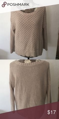 American Eagle cable knit sweater Cable knit sweater, worn once. Fit is loose and front end hangs a little higher than the back American Eagle Outfitters Sweaters