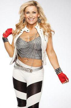 I LOVE Nattie! She's so cute! She needs to be Divas Champion! #TeamNatalya