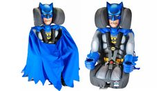 This Batman car seat will surely protect your child from Gotham's (or your cities) even villains (bad drivers). What better way to keep your little one safe than Batman? Batman Baby Clothes, Batman Car, Superman, Wishes For Baby, Kids Corner, My Children, Future Children, Future Baby, Malec