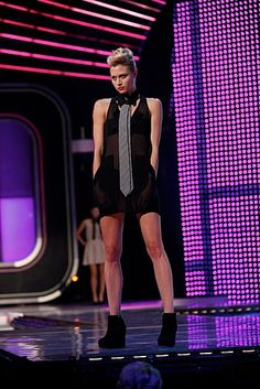 possibly the hottest look seen on fashion Star episode 1. Fantastic.