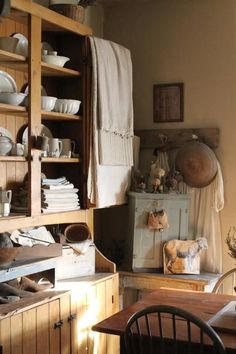**Old pine & whites** Farmhouse Style Kitchen, Rustic Kitchen, Rustic Farmhouse, Primitive Homes, Primitive Kitchen, Primitive Country, Kitchen Cupboard Doors, Country Decor, Country Life