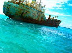 La Famille Express, Ran Aground Off The Coast Of Turks And Caicos Abandoned Ships, Abandoned Places, Ship Breaking, Fraser Island, Ghost Ship, Fort William, Newfoundland And Labrador, Turks And Caicos, Shipwreck
