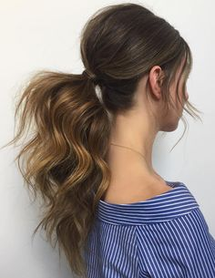 Long+Wavy+Ponytail+With+A+Bouffant