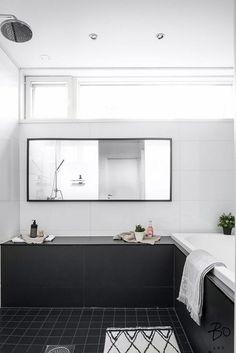 7h, keittiö, 2kph, sauna, khh + vierastalo n.26,5m² 1h, avok, kph+ autotalli kahdelle autolle , Rakennusvuosi 2008, Mh. 937 000 € , Vh. 937 000 €. Moderni omakotitalo, erillinen vierastalo ja autotalli kahdelle autolle. Tässä talossa mahtuu asumaan isompikin perhe. Päärakennuksen lisäksi tontilla sijaitsee ympärivuotiseen käyttöön soveltuva vierastalo. Vierastalo sopii hyvin myös esim. au pairille, yrittäjälle kotitoimistoksi tai teini-ikäisten omaksi valtakunnaksi. Asuintilat sijoittuvat...