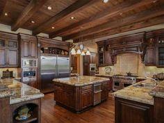 Kitchen of luxury home in San Diego, California Luxury Kitchens, Cool Kitchens, Rustic Kitchens, Morton Building Homes, Tuscan Kitchen Design, Open Plan Kitchen Living Room, San Diego, Mediterranean Homes, Tuscan Homes