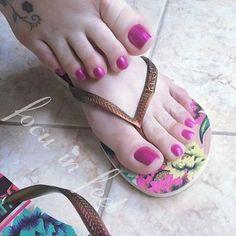 Pretty Toe Nails, Cute Toe Nails, Sexy Nails, Sexy Toes, Pretty Toes, Pies Sexy, White Toes, Foot Pics, Beautiful Toes