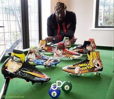 Bakary Sako brought more custom flair to the Premier League at the weekend as he made his first appearance of the season wearing another sublime piece of artwork on his Nike Mercurial Superfly V boots. Epl Football, Football Troll, Football Gear, Football Shoes, Best Soccer Shoes, Adidas Soccer Shoes, Soccer Boots, Custom Football Cleats, Soccer Cleats