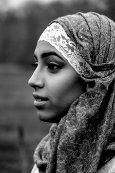 Black & white hijab