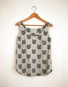Hand printed linen top.  colour: light grey with black prints  Size EU M/38-40, UK: 10-12, USA 6-8  bust: 94cm, waist: 96cm  length: 65cm  The top is