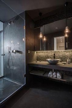 Industrial Modern Loft Apartment//