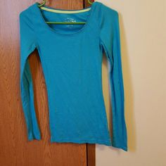 Long sleeved shirt for ladies Long sleeved shirt. Worn but in excellent condition Arizona Jean Company Tops Tees - Long Sleeve