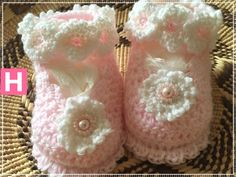 Pearly Pink Charm scallop edge baby shoes w/ Swarovski pearls (CH0385A)