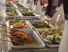 Een tafel vol bakjes rijst, stokjes saté, knapperige kroepoek en geurende groente- en vleesgerechten: wat ons betreft is een rijsttafel een van de beste comfort foods. In onderstaande restaurants staan de lekkerste rijsttafels op het menu. Restaurant Blauw, Amsterdam Restaurant Blauw – niet te verwarren met Ron Blaauw's Gastrobar, ook aan de Amstelveenseweg – is […]
