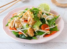 These Chicken Satay Noodles are quick, tasty and low in calories, perfect for busy mums following the Healthy Mummy 28 Day Weight Loss Challenge.