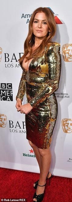 Isla Fisher jokes about her bulbous bust in plunging gold dress as she attends BAFTA Tea Party with husband Sacha Baron Cohen Isla Fisher, Gold Sequin Dress, Metallic Dress, Gold Sequins, Bar Outfits, Vegas Outfits, Club Outfits, Stunt Woman, Hot Country Girls
