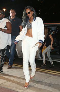 Rihanna street style x grey hair