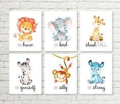 ¡Conjunto de arte de la pared para imprimir en safari dulce vivero decoración! Una impresión del género neutro para mostrar en un vivero. Se encuentran: jirafa - erguirse, elefante - ser amable, León - ser valiente, Rhino - ser fuerte, mono: ser tonto, cebra - ser uno mismo. Este
