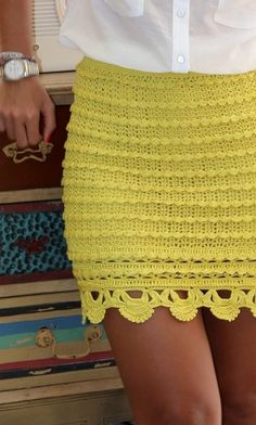Crochet beautiful and feminine yellow skirt. Free patterns for crochet yellow skirt Crochet Skirt Pattern, Crochet Skirts, Crochet Clothes, Crochet Patterns, Crochet Designs, Mode Crochet, Diy Crochet, Crochet Top, Gilet Crochet