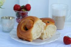 Passion 4 baking » French Vanilla Rolls & passion fruit curd, Raisens
