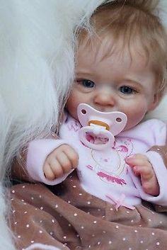Reborn baby doll Sunny limited sold out (skulpt Joanna Kazmierczak) Life Like Baby Dolls, Real Baby Dolls, Realistic Baby Dolls, Cute Baby Dolls, Newborn Baby Dolls, Reborn Baby Girl, Silicone Reborn Babies, Silicone Baby Dolls, Cute Little Baby Girl