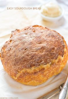Easy+Sourdough+Bread+-+No+sourdough+starter+required!!+The+bread+tastes+like+it's+from+a+fancy+bakery+and+you+won't+believe+how+easy+it+is!!