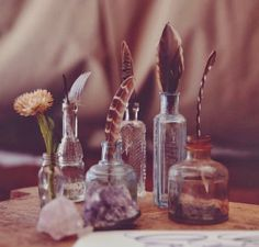 Sacred Space // Altar + decor // Ideas + inspiration for the bedroom, at home + outdoors. Antique Doors, Old Doors, My New Room, My Room, Meditations Altar, Deco Nature, Altar Decorations, Feather Decorations, Wedding Decorations