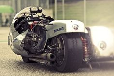 What a very Awesome side car Motorcycle. Cool Motorcycles, Vintage Motorcycles, Bobbers, Bmw Motors, Bmw Boxer, Bmw Cafe Racer, Cafe Racers, Street Tracker, Motorcycle Bike