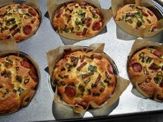 Briose tip pizza, Rețetă Petitchef Muffin, Pizza, Breakfast, Food, Morning Coffee, Essen, Muffins, Meals, Cupcakes
