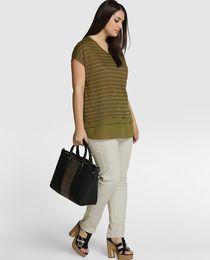 Camiseta de mujer talla grande Couchel con manga corta y faldón